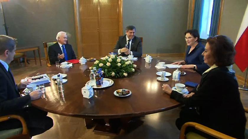 """Kopacz powiedziała, że kwestie, o których chce dyskutować z przedstawicielami klubów, """"to są sprawy ważne dla Polaków"""""""