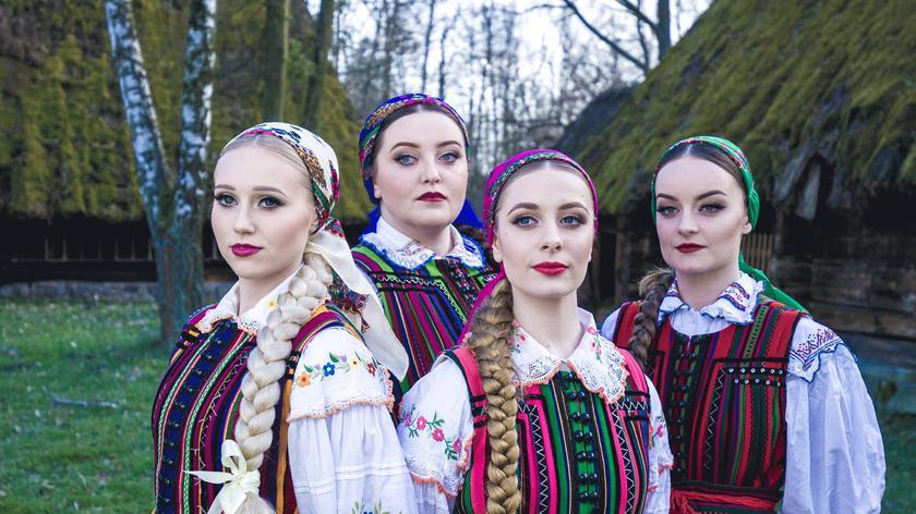- Folklor polski jest naszą pasją - mówią dziewczyny z Tulii