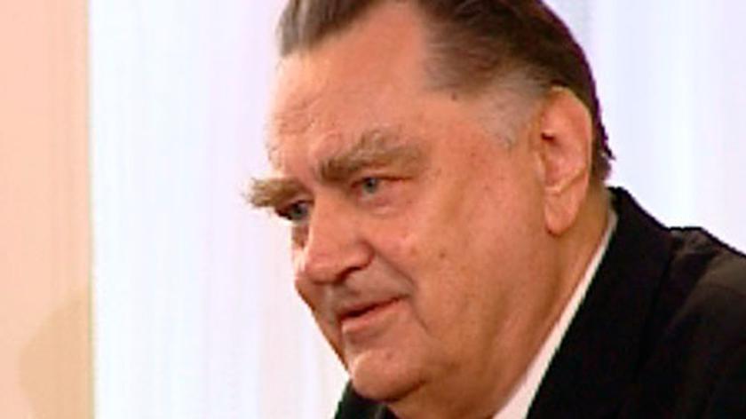 Olszewski będzie milczał do 30 czerwca