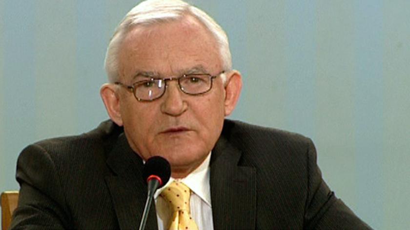 Miller wskazuje na Chlebowskiego, zgłosił podatek korzystny dla branży hazardowej