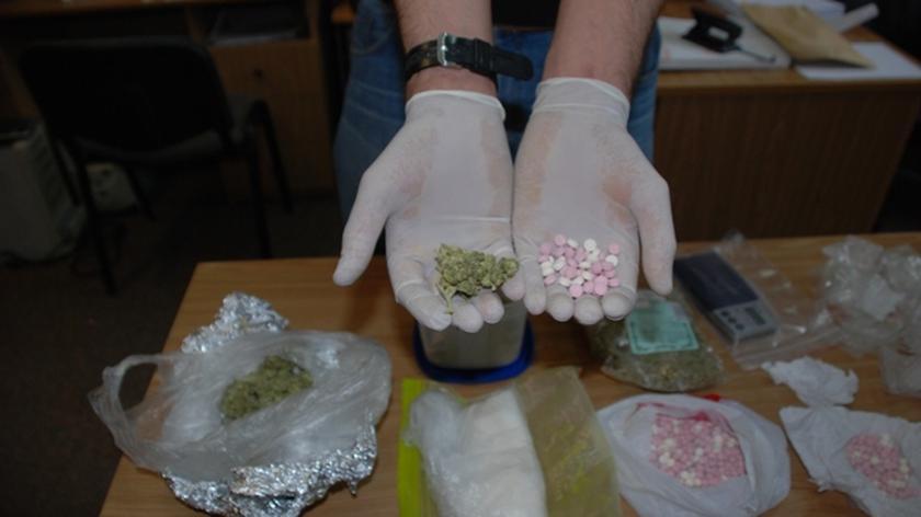 Narkotyki i sprzęt RTV u dilera