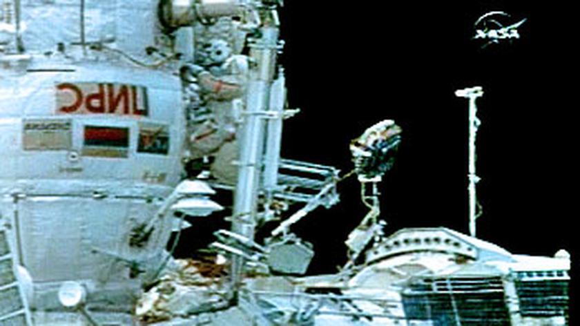 Zobacz kosmiczny spacer astronautów