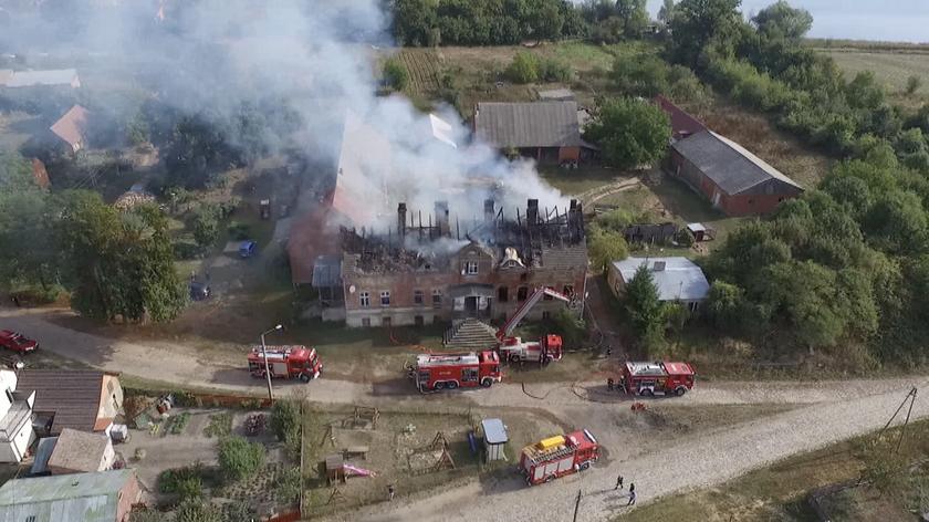 Pożar poddasza pałacu mieszkalnego