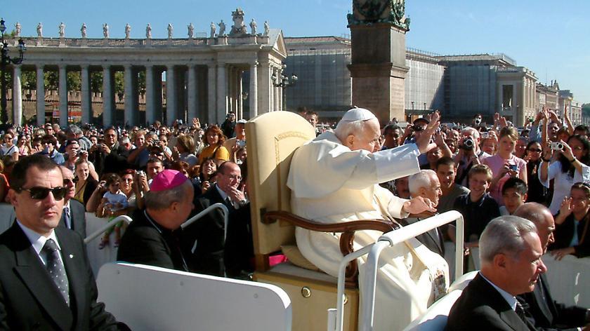 Czy abdykacja papieża wpłynie na proces kanonizacji Jana Pawła II?