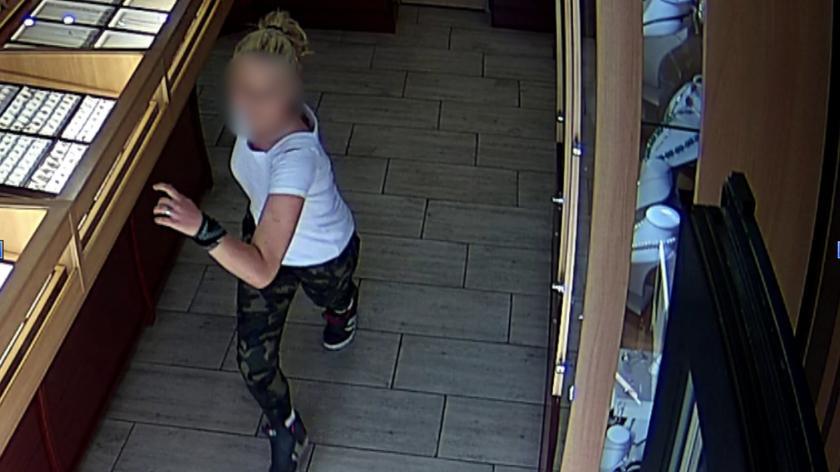 14-letnia dziewczyna i 33-latek ukradli biżuterię wartą blisko 8 tys. zł.