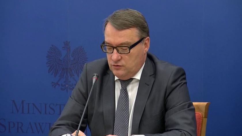 """Marek Biernacki rozpoczął konferencję, na której przedstawiono opinię resortu na temat wydarzeń w redakcji """"Wprost"""""""