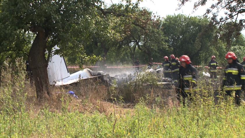 Strażak: Z wraku wyciągnięto trzy osoby i wybuchł pożar