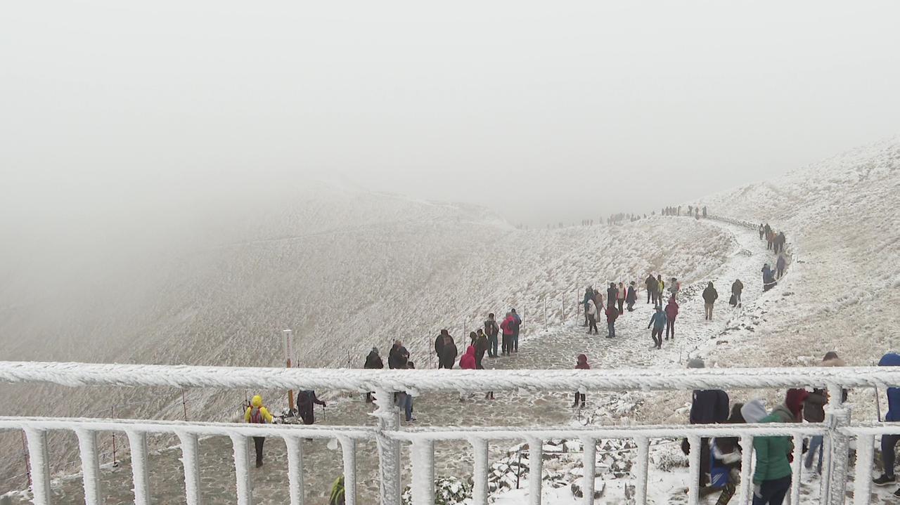 Śnieg i mróz w Tatrach. Najtrudniejszy okres w górach