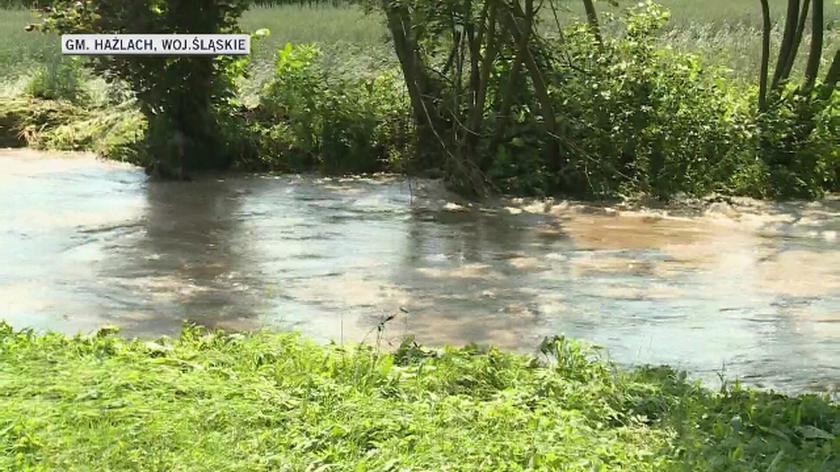 W Hażlach woda zalewała piwnice