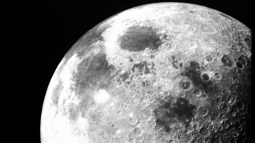 Chińscy naukowcy pobrali próbki z Księżyca