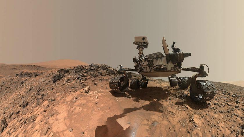 Diabełek pyłowy na Marsie