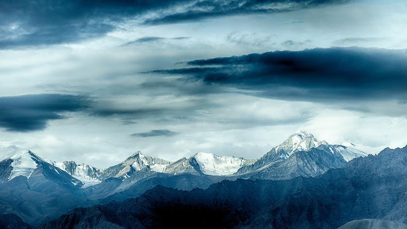 W rejonie lodowca Siachen zeszła lawina śnieżna