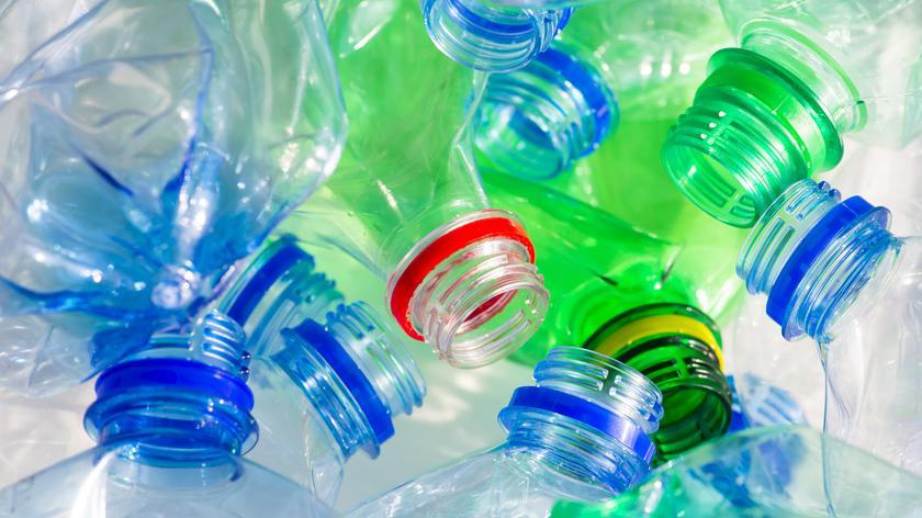 Organizacja czyści oceany ze śmieci