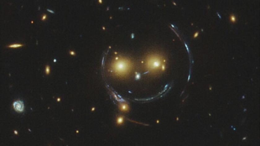Gromada galaktyk sfotografowana teleskopem Hubble'a
