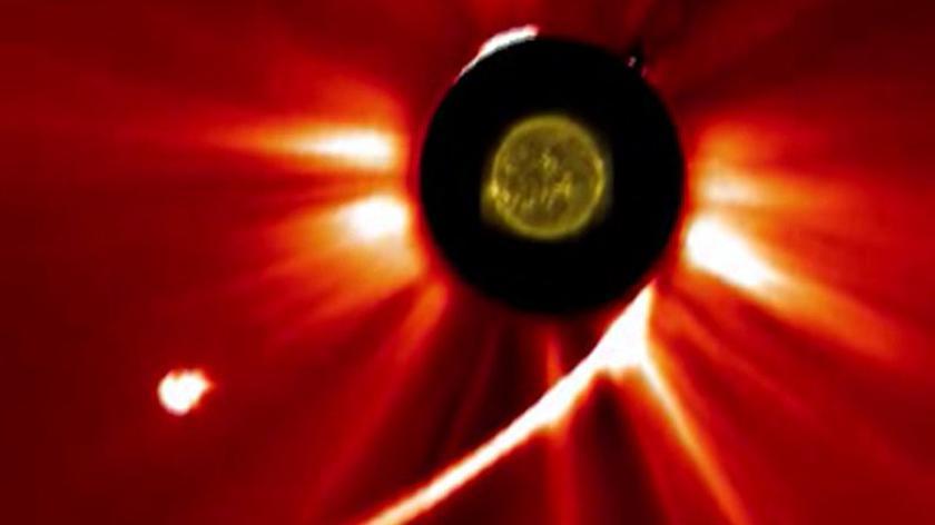 """ISON jednak nie przetrwała """"bliskiego spotkania"""" ze Słońcem"""