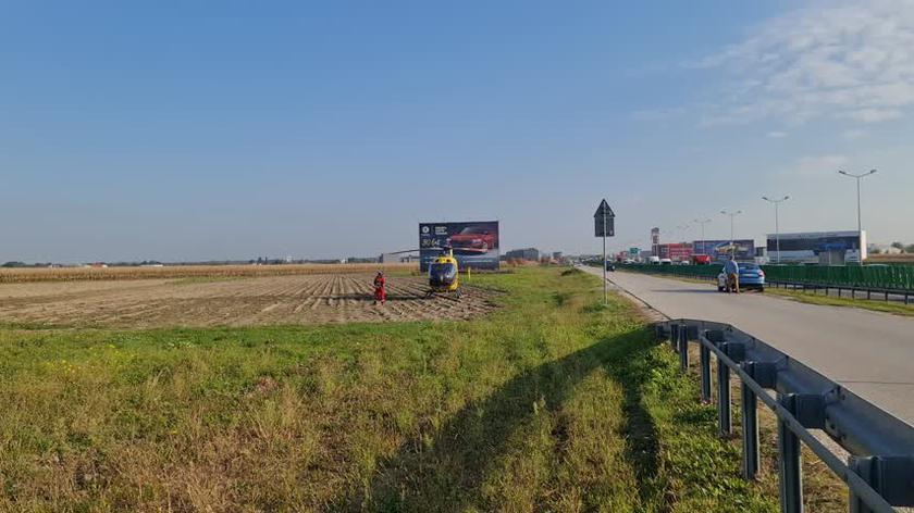 Śmigłowiec LPR lądował przy trasie S8