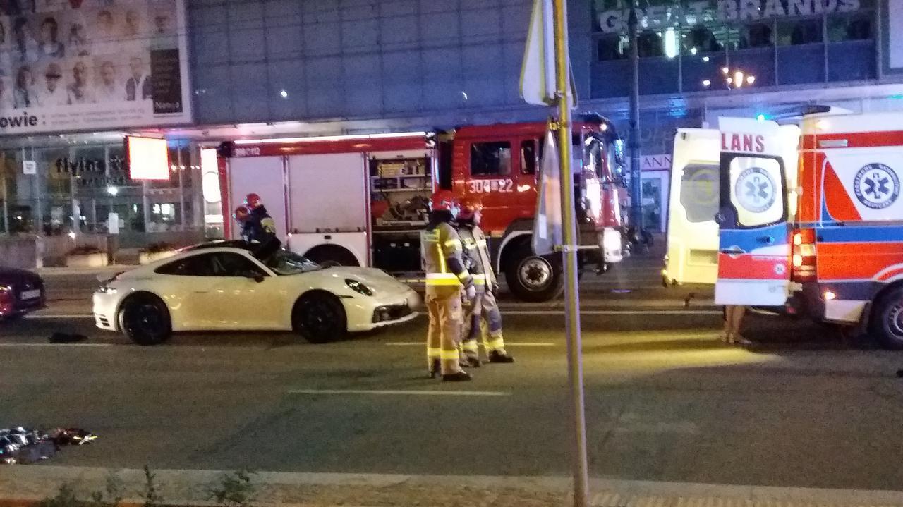 Kierowca białego porsche trafi do aresztu. Udało się ustalić tożsamość ofiary