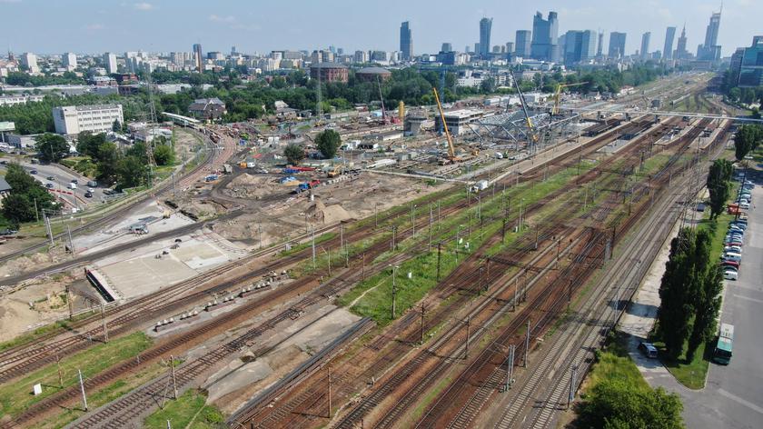 Premier o planach rozbudowy kolei