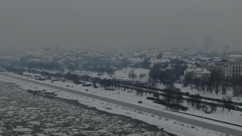 Piotr Siergiej z Polskiego Alarmu Smogowego: w dni smogowe nie wolno rekreacyjnie palić w kominku