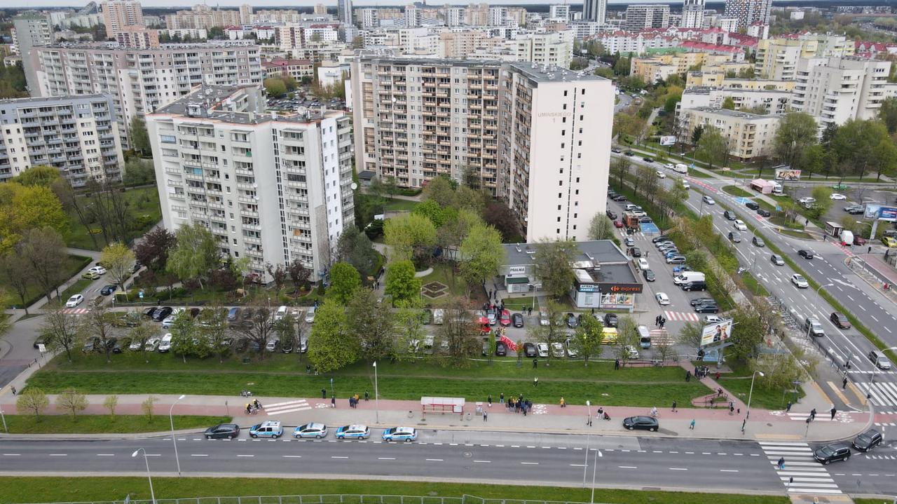 Prokuratura: w pralni na Gocławiu doszło do awantury między ojcem i synem. Zabezpieczono dwa noże