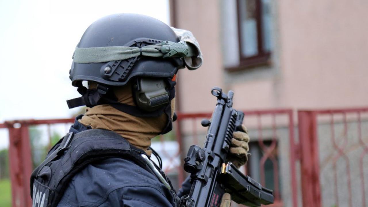Odnaleźli linię produkcyjną narkotyku. 37-latek aresztowany