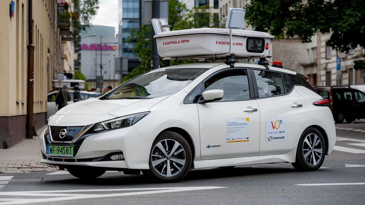 Ratusz podpisał umowę na zakup kolejnych aut do e-kontroli