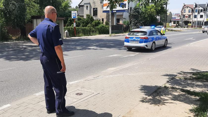 Policjanci pracowali przy ulicy Cienistej w Raszynie