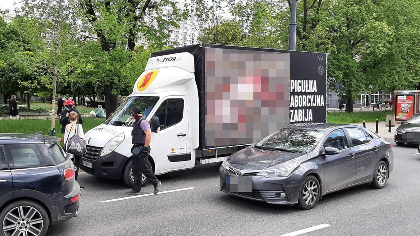 Obywatelskie zatrzymanie furgonetki z hasłami antyaborcyjnymi