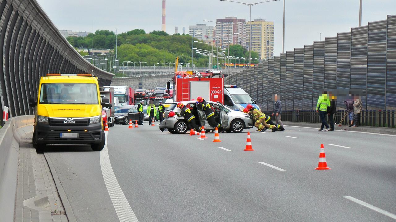 Trasa S8 stanęła w korku po zderzeniu trzech pojazdów