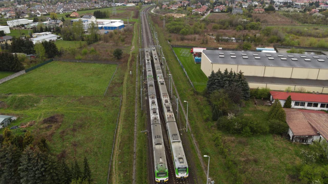 Wypadek w Starej Iwicznej. Utrudnienia w ruchu pociągów