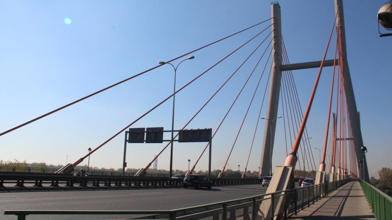 Mniejsze natężenie ruchu na moście Siekierkowskim. Drogowcy podali wyniki pomiarów