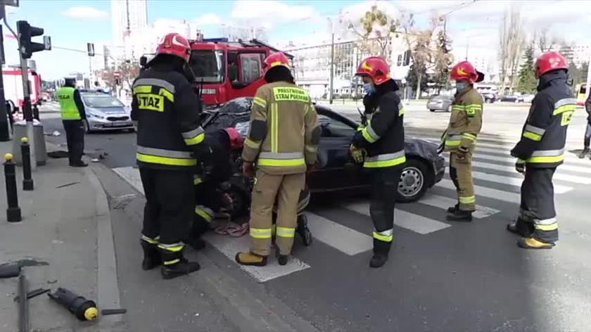 Zderzenie dwóch aut w Śródmieściu