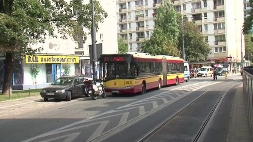 Autobus gwałtownie hamował w al
