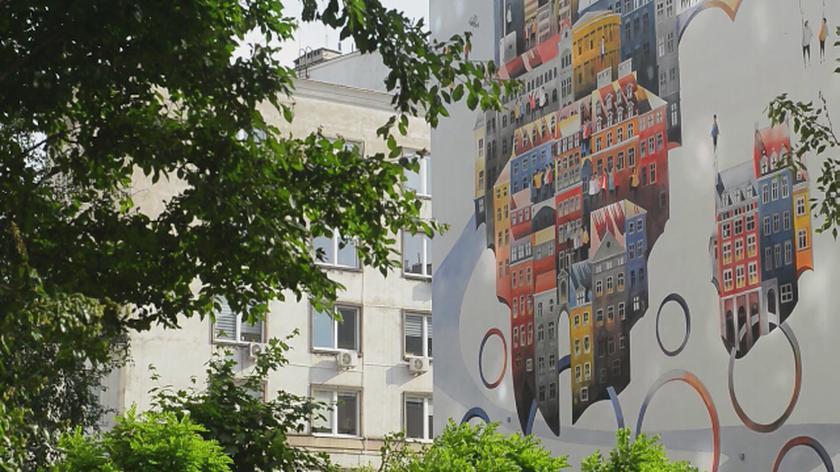 Nowy miejski mural na Chmielnej