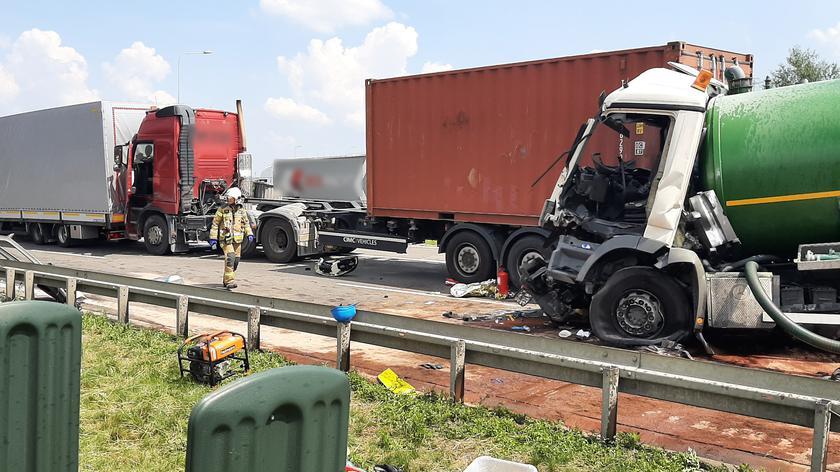Wypadek na trasie S8 na wysokości Wolicy