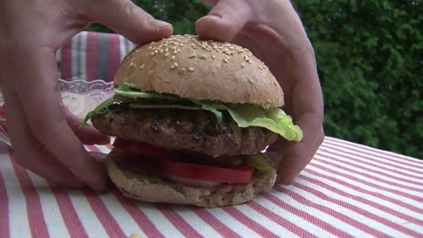 """Szef kuchni - Jakub Kuroń - opowiada: """"Jak przygotować idealnego hamburgera?"""""""