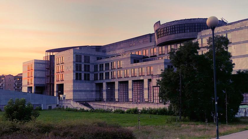 Niewykończony budynek EuRoPol GAZ-u