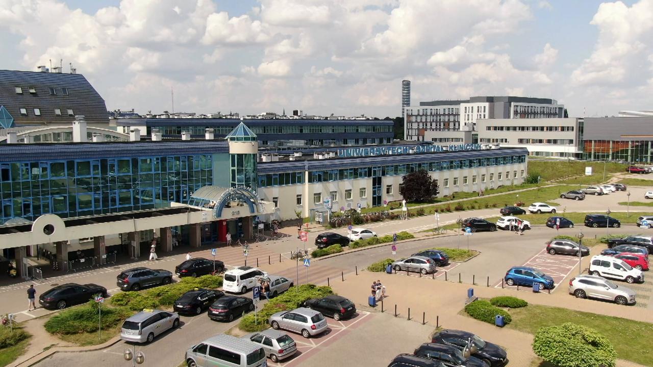 Wrocławski szpital wstrzymał podawanie medykom pierwszej dawki szczepionki