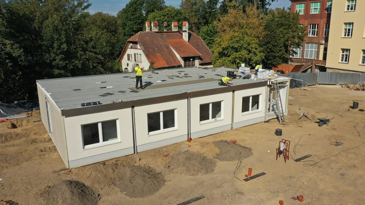 Budują szpital dla chorych na COVID-19.