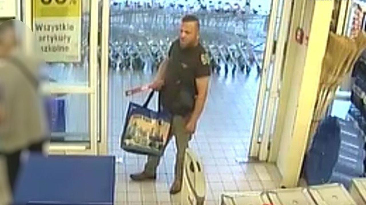 Chciał pomóc, został okradziony. 74-latek stracił portfel i 2300 złotych