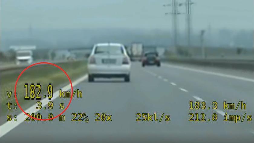 Nietrzeźwy jechał 182 km/h