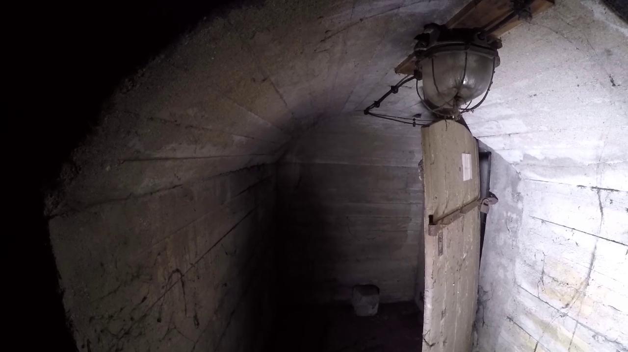 Kilkaset metrów podziemnych tuneli. Kiedyś miały chronić, dziś przypominają o historii