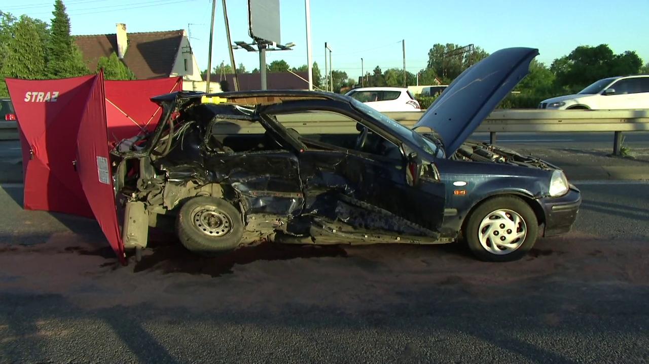 Zderzyły się dwa auta, jedna osoba nie żyje.