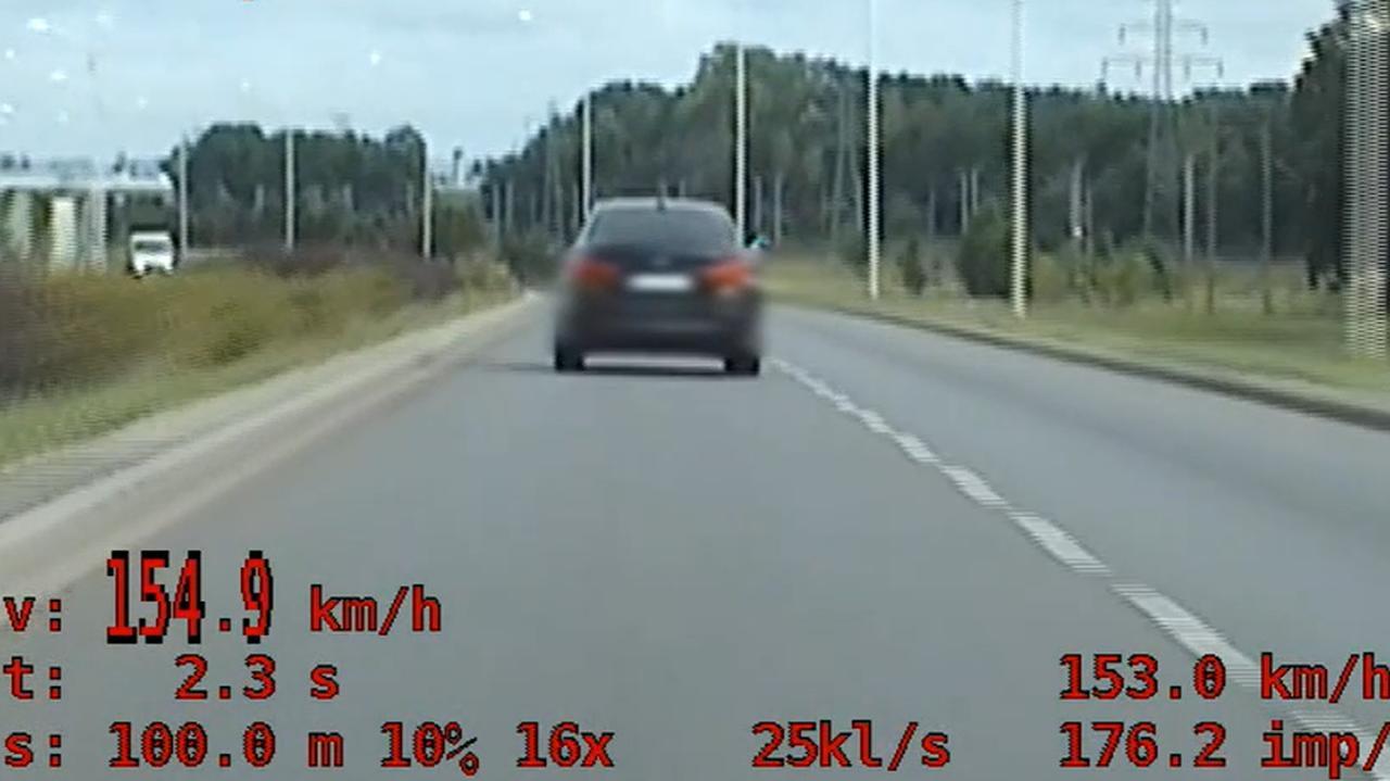 20 punktów karnych w godzinę. Kierowca dwukrotnie zatrzymany za przekroczenie prędkości